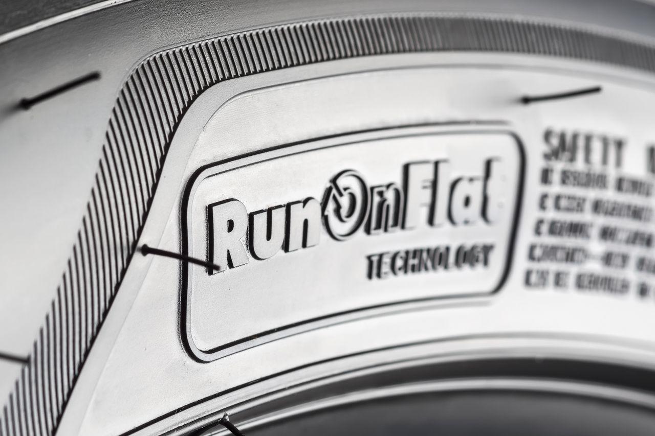 pneus de roulage à plat